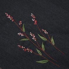 #여뀌  #야생화자수 #야생화느낌자수 #embroidery  #handmade #들꽃자수 #꽃자수 #刺繍 #ハンドメイド