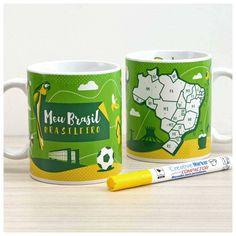 Marque suas viagens por este nosso vasto e lindo país na Caneca do Viajante Brasil! Use a caneca em seu dia a dia para tomar um café sonhando com viagens ou para decorar sua casa ou mesa do escritório. Acompanha caneta especialmente fabricada para pintar porcelana.