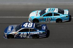 Jimmie Johnson and Danica Patrick on track during the 2016 Daytona 500, 2/21/16.