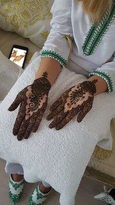Henna By Cocolily Wedding Henna Designs, Mehndi Design Pictures, Mehndi Designs For Fingers, Henna Designs Easy, Mehndi Images, Bridal Mehndi Designs, Henna Tattoo Designs, Mehandi Designs, Moroccan Henna