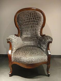 tapisserie ameublement et restauration mobilier: Le fauteuil crapaud qui se prenait pour un croco !