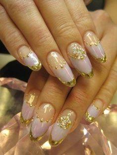 nail art #nail #unhas #unha #nails #unhasdecoradas #nailart #gold #dourado #branco #white #gorgeous #chic #elegante #lindo