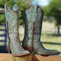 TURQUOISE LACE BOOTS...Legendary Western can get these!
