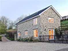 Honiton Cottage Rental: Beech Cottage, Family Friendly, With Open Fire In Dunkeswell, Ref 3002 | HomeAway