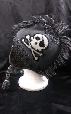 ab25592d3ea The Children s Place Gray Mohawk Skull Bones Beanie Knit Winter Hat Size L   XL