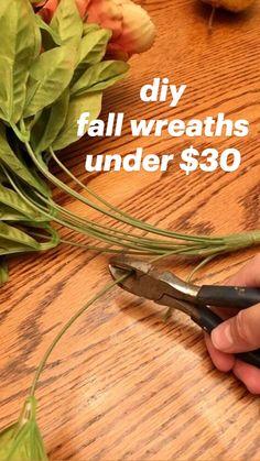 Diy Fall Wreath, Fall Diy, Fall Wreaths, Mesh Wreaths, Diy Home Crafts, Diy Craft Projects, Fall Crafts, Holiday Crafts, Happy Fall Y'all