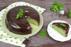 La torta menta e cioccolato è un dolce esclusivo e ricercato che unisce la freschezza della menta al gusto intenso del fondente; ideale in estate.