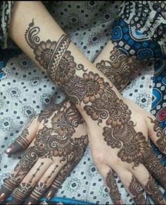 Mehndi is a major and popular part of celebrations in the South Asian subcontinent . Here is a list of 15 evergreen Bridal Mehndi Designs Of All Times Henna Hand Designs, Mehndi Designs Finger, Mehndi Designs Book, Mehndi Designs For Girls, Mehndi Designs For Beginners, Bridal Henna Designs, Mehndi Design Pictures, Mehndi Designs For Fingers, Latest Mehndi Designs