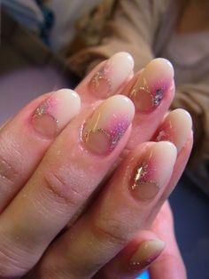 Gel nail designed by Ms. Nozomi Tsutsui