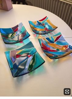 Choose which category of glass art you want to view below. Glass art is an innovative means to make eye catching art that may be used in everyday life. Fused Glass Plates, Fused Glass Jewelry, Fused Glass Art, Glass Ceramic, Glass Dishes, Mosaic Glass, Stained Glass Crafts, Stained Glass Patterns, Glass Fusion Ideas