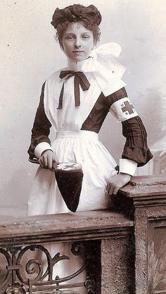 A young nurse. Unknown date, but the Red Cross on her sleeve would make it after 1880 when Amer. Red Cross came into existence. Antique Photos, Vintage Pictures, Vintage Photographs, Old Pictures, Vintage Images, Old Photos, Funny Pictures, Edwardian Era, Victorian Era