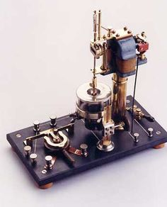 venerables Radios, Steampunk Gadgets, Steampunk Gears, Diesel Punk, Steampunk Accessoires, Hub Usb, Art Nouveau Furniture, Wonderful Machine, Mechanical Art