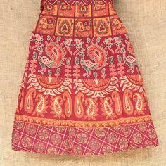 Toda beleza das saias envelopes artesanais indianas só que... curtas!  Por R$ 4990. Várias cores e estampas.  Peça a sua por mensagem ou pelo nosso Whatsapp: 13 98216 6299