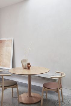 Lyndhurst House in Richmond by Modl Office | Yellowtrace Kitchen Dining, Dining Table, Dining Room, Light Study, Granite Flooring, Stone Bench, Melbourne House, Wall Patterns, Kitchen Interior