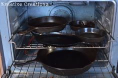 How To Clean and Season a Cast Iron Skillet - The Kreative Life Rusted Cast Iron Skillet, Season Cast Iron Skillet, Iron Skillet Cleaning, Cleaning Cast Iron Pans, Household Cleaning Tips, Cleaning Hacks, Kitchen Gloves, Seasoning Cast Iron, Kitchen Hacks