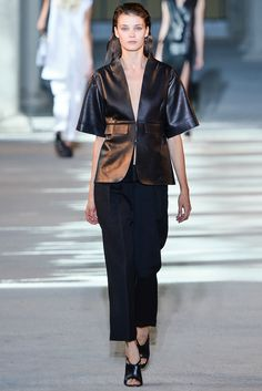 Costume National - Spring 2014 Ready-to-Wear - Look 9 of 40