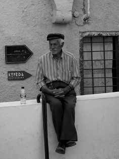 Old Man Santorini | Chiara Vasta | Cane