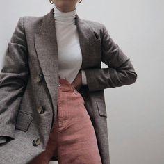 Pinterest »»»» mariaherediacolaco ⚡️ Pink Trousers, Cord Trousers, Checked Trousers, Outfit Goals, Check Blazer, Check Coat, Business Casual Trousers, Corduroy Blazer, Plaid Blazer