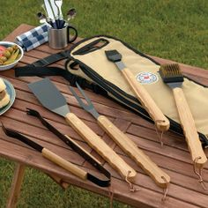 Barbecue by the pool will be more enjoyable with this handy bbq set.