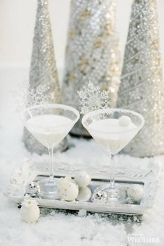 The Ice Queen: Winter Wedding Wonderland Inspiration - WedLuxe Magazine Fantasy Wedding, Dream Wedding, Glamorous Wedding, Snow Photography, Fashion Photography, Wedding Photography, Photography Poses, Wedding Themes, Wedding Ideas