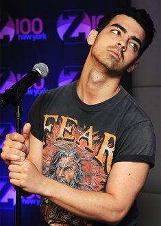 Joe Jonas, Jonas Brothers, Kellan Lutz, Disney Stars, Anna Kendrick, Celebs, Celebrities, Robert Pattinson, Cute Guys