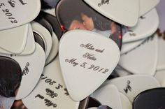 guitar picks as wedding favor