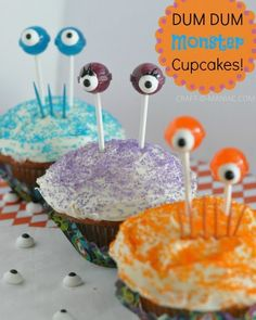 DUM DUM Monster Cupcakes #cupcakes #halloweentreats
