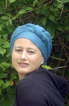 Instructions for tying the basic turban http://www.suburbanturban.co.uk/turban-tying-instructions/