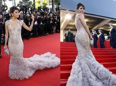 Eva at Cannes!!  she looks amazing!!