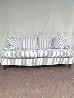 Sofa .