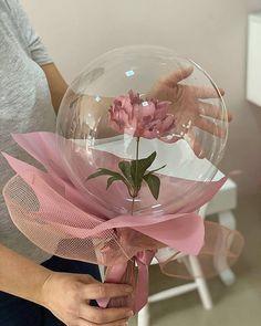 Birthday Centerpieces, Diy Birthday Decorations, Balloon Flowers, Balloon Bouquet, Creative Gift Baskets, Flower Box Gift, Bubble Balloons, Balloon Gift, Paper Flowers Craft