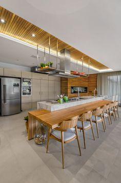 55 modern kitchen ideas decor and decorating ideas for kitchen design 2019 37 Hacienda Kitchen, Farmhouse Style Kitchen, Modern Farmhouse Kitchens, Home Decor Kitchen, Interior Design Kitchen, Home Kitchens, Kitchen Dining, Kitchen Ideas, Küchen Design