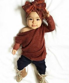 baby outfits Pick a name that is strong, feminine, and full of meaning. So Cute Baby, Baby Kind, Cute Baby Clothes, Cute Babies, Stylish Baby Clothes, Babies Clothes, Stylish Kids, Baby Girl Fashion, Fashion Kids