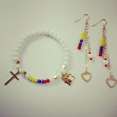 Sublime Pulsión - Una marca de vida: COLECCIÓN 21: AMARTE Kids Jewelry, Jewelry Sets, Women Jewelry, Beaded Jewelry, Handmade Jewelry, Beaded Bracelets, Bracelet Making, Jewelry Making, Pride Bracelet