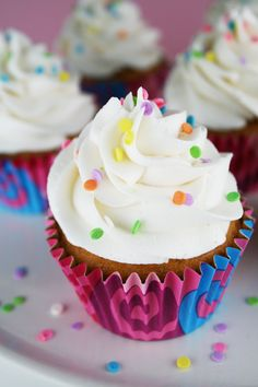 Cupcakes with Buttercream Frosting. Perfect for a birthday party or just because. #yum