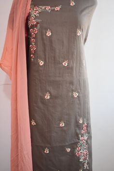 Are you looking for Machine work cotton suit with contrasted duppatta?Buy Thread Work Salwar Suits & Thread Work Salwar Kameez Online for women at best prices Embroidery Suits Punjabi, Hand Embroidery Dress, Kurti Embroidery Design, Embroidery Fashion, Embroidery Stitches, Machine Embroidery, Simple Embroidery, Punjabi Suits Designer Boutique, Indian Designer Outfits