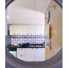 Lurca Azulejos | Nossos azulejos Neiva no Decora do @canalgnt ! Participamos de mais um projeto incrível do @mauricioarruda  | Neiva - Ceramic Tiles // Shop Online www.lurca.com.br #azulejos #azulejosdecorados #revestimento #arquitetura #reforma #decoração #interiores #decor #casa #sala #design #ceramica #tiles #ceramictiles #ceramic #architecture #interiors #homestyle #livingroom #wall #backsplash #homedecor #saopaulo #sp #lurca #lurcaazulejos