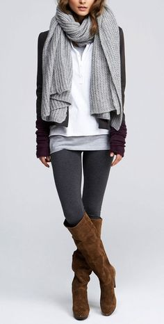 Leggings are the best. There is no more comfortable piece of clothing those leggings. It is possible to mix it with any other outfit. Here are some style tips to wear leggings below. Style Casual, Casual Look, Style Me, Comfy Casual, Sporty Chic Style, Smart Casual, Looks Street Style, Looks Style, Fall Winter Outfits