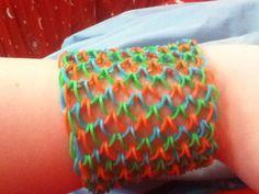 Wide Dragon Scale Bracelet made using a Rainbow Loom