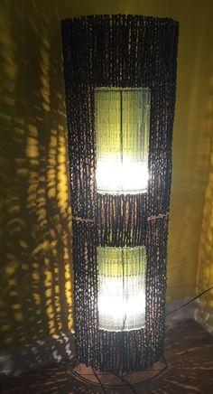 Lampara de Pie Natural de Bal con ramas y Crystal de una forma oval de aprox 165cm de altura madera natural de Bali Cristal