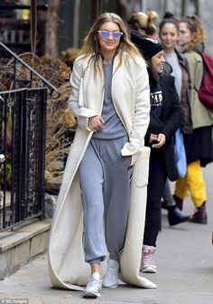 GIGI - 11/01/2016  OUT & ABOUT IN NYC