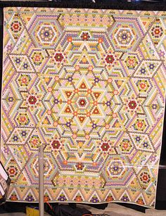 This Grandmother's Flower Garden quilt was a sight to behold! Hexagon Quilt Pattern, Quilt Patterns, Quilting Projects, Quilting Designs, Quilt Design, Quilting Ideas, Japanese Quilts, Quilted Throw Blanket, English Paper Piecing