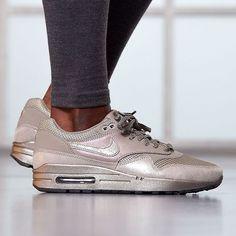 Sneakers femme - Nike Air Max 1 (©allikestore)