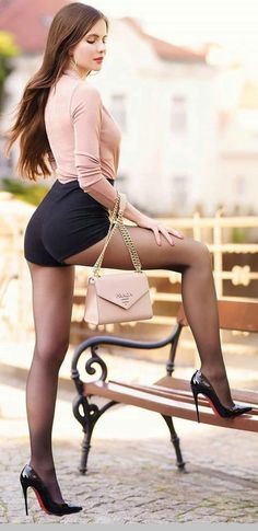 Women With Beautiful Legs, Lovely Legs, Rich Girls, Hot Girls, Sugar Baby, Classy Women, Sexy Women, Bollywood Actress Hot Photos, Sexy Legs And Heels