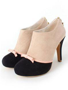 【2013】【RANDA x LTS】 ribbon bootie (¥8,990) ★Little Twin Stars★ Pretty Shoes, Beautiful Shoes, Cute Shoes, Me Too Shoes, Sock Shoes, Shoe Boots, Shoes Heels, Shoes 2015, Unique Shoes