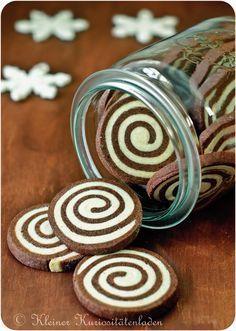 Chocolate espresso worm - So, go on – there is still much to do! Today& biscuits are not normal, but today there are - Cookie Recipes, Snack Recipes, Recipes Dinner, Cinnamon Cream Cheeses, Pumpkin Spice Cupcakes, Cookies Et Biscuits, Baking Biscuits, Bread Baking, Ice Cream Recipes