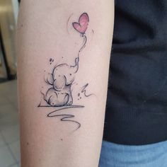 Elephants are super adorable and that's why they make perfect tattoo designs. Here are some of our fave small elephant tattoo designs we guarantee you'll love. Cute Hand Tattoos, Mommy Tattoos, Small Hand Tattoos, Cute Small Tattoos, Pretty Tattoos, Mini Tattoos, Body Art Tattoos, Mama Tattoo, Ankle Tattoos