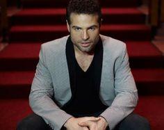 Cara cara con Roberto Manrique.   El reconocido actor vuelve a Ecuador para concretar algunos proyectos importantes.