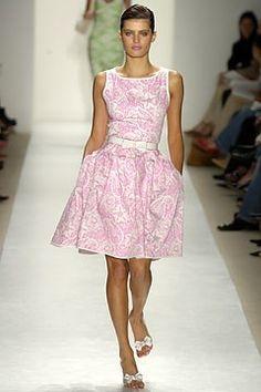 Oscar de la Renta Spring 2004 Ready-to-Wear Fashion Show - Oscar de la Renta, Isabeli Fontana