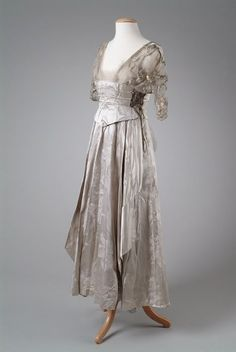Edwardian Fashion 1900 to 1920 :: 1914 Meadow Brook image by charleybrown77 - Photobucket
